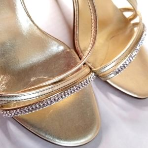 Browns Couture gold shoes with heels Size40